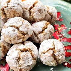 10 Minuets : Walnut And Coconut Cookies Coconut Cookies, Muffin, Food And Drink, Cooking, Breakfast, Cake, Desserts, Bodo, Recipes