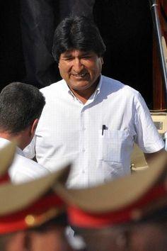 Evo Morales, Presidente de Bolivia, a su llegada al Aeropuerto Internacional José Martí de La Habana, Cuba, el 26 de enero de 2014, para participar en la II Cumbre de la Comunidad de Estados Latinoamericanos y Caribeños (CELAC). AIN FOTO/Marcelino VÁZQUEZ HERNÁNDEZ
