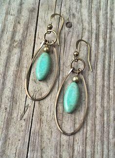 Boucles d'oreilles Turquoise bleus verts avec par RusticaJewelry