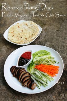 Peking duck is the most popular duck dish in chinese cuisine around the world. Roasted Peking Duck is prized for its thin, crispy and crackling skin. Authentic versions of peking duck used to be di… Duck Recipes, Meat Recipes, Asian Recipes, Cooking Recipes, Healthy Recipes, Healthy Foods, Chorizo, Peking Duck Pancakes, Gastronomia