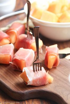 Prosciutto Wrapped Melon. The easiest, healthiest and best appetizer to snack on.