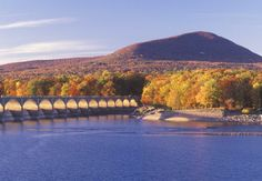 New York City to Catskill Park 120 miles (one-way): Catskill Park encompasses old Borscht Belt resorts and the concert-famous town of Woodstock.