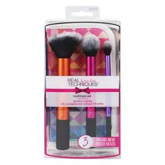 The Real Techniques Multi-Tasking Kabuki Brush Set helps simplify your makeup routine by giving you 3 versatile brushes that work with liquids, powders and. Real Techniques Set, Real Techniques Makeup Brushes, Eye Makeup Brushes, It Cosmetics Brushes, Makeup Tools, Makeup Tutorials, Best Teeth Whitening Kit, Whitening Skin Care, Kabuki Brush Set