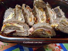 Rocambole de Carne Moída Recheado - Cozinhando com Josy