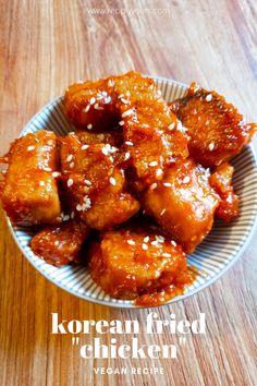 Vegan Fried Chicken, Tofu Chicken, Bbq Tofu, Korean Fried Chicken, Sauce For Chicken, Fried Chicken Recipes, Korean Tofu Recipes, Vegan Korean Food, Vegetarian Recipes Dinner