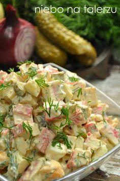 Sałatka z paluszkami krabowymi Seafood Recipes, Cooking Recipes, Healthy Recipes, Füllende Snacks, B Food, Seafood Salad, Vegetable Salad, Food Inspiration, Salad Recipes