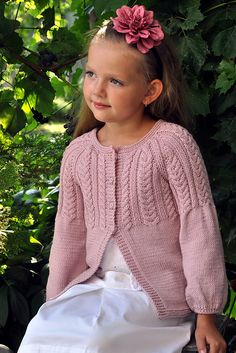 Ravelry: Hermione cardigan pattern by Pelykh Natalie Kids Knitting Patterns, Christmas Knitting Patterns, Knitting For Kids, Knitting Projects, Baby Scarf, Baby Cardigan, Crochet Cardigan, Knit Crochet, Crochet Buttons