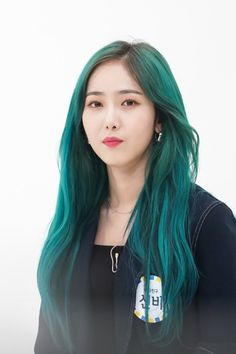 """""""Naver Post: Weekly Idol Behind the Scenes """" Kpop Girl Groups, Korean Girl Groups, Kpop Girls, Kpop Hair Color, Sinb Gfriend, Weekly Idol, Queen B, Green Hair, Girls Generation"""