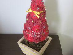 Árvore de Natal de Fuxicos com passo a passo!  (usar retalhos de tecidos natalinos)