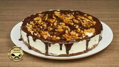 Παγωτό σάντουιτς Στρατσιατέλα Tiramisu, Cheesecake, Ethnic Recipes, Desserts, Food, Youtube, Tailgate Desserts, Deserts, Cheesecakes