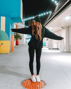Sporty Girls, Sporty Outfits, Trendy Outfits, Fall Outfits, Cute Outfits, Fashion Poses, Teen Fashion, Fashion Outfits, Sarah Betts