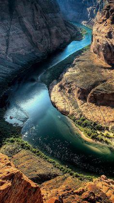 Horseshoe-Bend-Arizona-United-States-1136x640.jpg 640×1,136 pixels