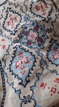 Cross Stitch Embroidery, Cross Stitch Patterns, Persian, Bohemian Rug, Pillows, Crochet, Lassi, Fabric, Penny Rug Patterns
