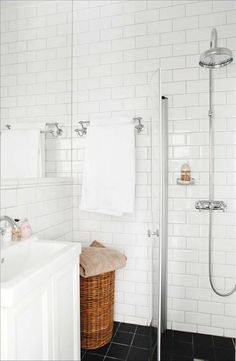 Best Useful Tips: Minimalist Bedroom Black Decor minimalist home closet tips.Minimalist Decor Office Interiors minimalist home closet tips.Warm Minimalist Home Minimalism. Bedroom Minimalist, Minimalist Home Decor, Minimalist Kitchen, Minimalist Interior, Minimalist Living, Modern Minimalist, Bad Inspiration, Bathroom Inspiration, Interior Inspiration