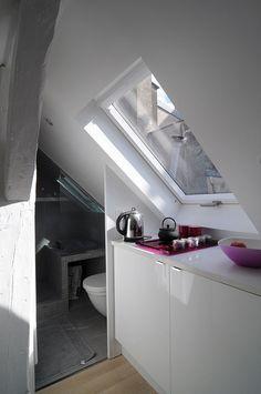 Tiny Apartment in Paris ~ Planet Cyber Mini Loft, Tiny Apartments, Paris Apartments, Studio Apartment Decorating, Apartment Design, Apartment Layout, Apartment Ideas, Attic Spaces, Tiny Spaces