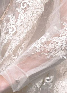 so pretty and feminine ! Antique Lace, Vintage Lace, Moda Outfits, Tulle, Fru Fru, Pearl And Lace, Romantic Lace, Linens And Lace, Lace Ribbon