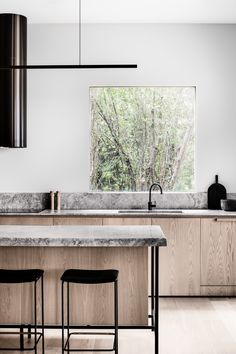 Kitchen Interior Design Merricks Guest House by Studio Esteta. Photo by Tom Blachford Best Kitchen Designs, Modern Kitchen Design, Interior Design Kitchen, Modern Interior Design, Best Kitchen Layout, Stone Interior, Interior Work, Residential Interior Design, Interior Livingroom
