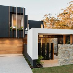 Gallery of Bungalow Court Brighton / Steve Domoney Architecture - 15 House Cladding, Wall Cladding, Facade House, Stone Cladding Exterior, Sandstone Cladding, Black House Exterior, Exterior House Colors, Modern Exterior, D House