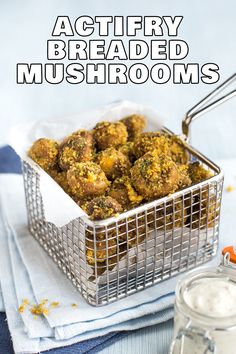 Actifry breaded mushrooms - these super simple breaded mushrooms are made with just four ingredients and are cooked entirely in a Tefal Actifry for that perfectly crispy coating! Veggie Recipes Healthy, Vegetarian Appetizers, Vegetarian Recipes Dinner, Vegan Snacks, Meatless Recipes, Vegan Recipes, Tefal Actifry, Breaded Mushrooms, Stuffed Mushrooms