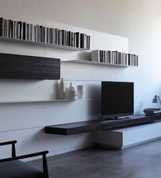 Wall-mounted storage wall LOAD IT By Porro design Piero Lissoni Modern Contemporary Homes, Contemporary Furniture, Modern Interior, Interior Design, Living Room Tv, Living Spaces, Tv Wand Design, Living Furniture, Furniture Design
