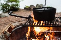 Dutch Oven Cooking Recipes | The Old Farmer's Almanac Cast Iron Cooking, Oven Cooking, Dutch Oven Recipes, Cooking Recipes, Skillet Recipes, Parfait, Barbecue, Dutch Oven Camping, Old Farmers Almanac