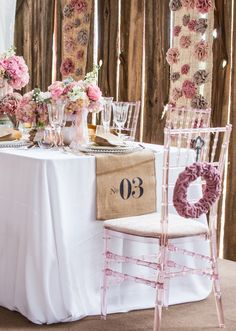 Shabby Chic Vintage Themed Wedding Style