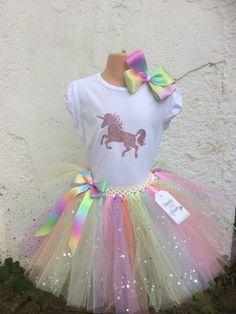Birthday Party Outfits, Unicorn Birthday Parties, Birthday Dresses, Birthday Party Decorations, Unicorn Outfit, Cute Unicorn, Jungle Theme Birthday, Bookmarks Kids, Unicorn Crafts