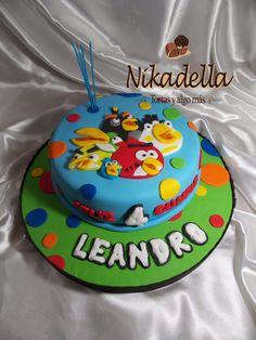 Resultado de imagen para torta angry birds Bird Birthday Parties, Birthday Cake, 5th Birthday, Torta Angry Birds, Ideas Para Fiestas, Holidays And Events, Party, Desserts, Cakes