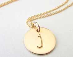 Petit collier initiale en or Collier or bijoux or par HLcollection
