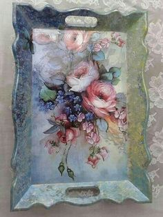 You are in the right place about Decoupage macetas Here we offer you the most beautiful pictures about the Decoupage paper you are looking for. Decoupage Vintage, Decoupage Box, Diy And Crafts, Arts And Crafts, Paper Crafts, Tole Painting, Painting On Wood, Deco Rose, Decoupage Furniture