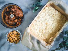 Snickers-raakaneliöt (V, GF) – Viimeistä murua myöten Dairy, Cheese, Food, Essen, Meals, Yemek, Eten