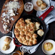 Garlic Parmesan Hefeweizen Pull Apart Bread