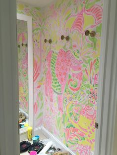 Lilly Pulitzer Stores, Lilly Pulitzer Prints, Lily Pulitzer Painting, King Of Prussia Mall, Glitter On Canvas, Floor Murals, Jungle Print, Mural Wall Art, Disney Springs
