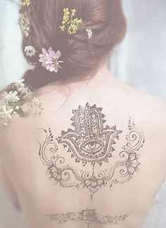 Tatuajes de la mano de Fátima o Hamsa 3