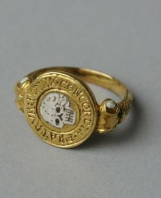 "17th Century memento mori mourning ring ""FOELIX CONCORDIA FRATRUM"" #jewelryrings"