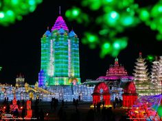 http://www.flashuser.net/wp-content/uploads/2012/01/national-geographic-photos-2.jpg  Harbin Internatioanl Ice Snow Festival - China