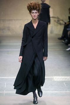 Yohji Yamamoto Fall 2005 Ready-to-Wear - Collection - Gallery - Style.com