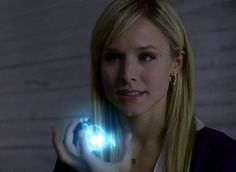 Elles power was awesome and its kristen bell stupid sylar had to kill her Great Tv Shows, Old Tv Shows, Movies And Tv Shows, Best Tv Characters, Female Characters, Kristen Bell Heroes, Hero Tv Show, Heroes Tv Series, Geek Movies