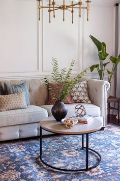 The Basics of Coffee Table Styling - Shades of Blue Interiors Coffee Table Decor Living Room, Living Room Candles, Glam Living Room, Decorating Coffee Tables, Living Room Decor, Blue Interiors, Small Potted Plants, Coffee Table Styling, Round Coffee Table
