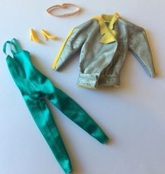 Barbie 1984 Twice as Nice Outfit # 7955 Reversible Outfit vintage dolls clothes Doll Clothes Barbie, Barbie Dolls, Twice As Nice, Doll Outfits, Barbie Collection, Vintage Dolls, Girl Dolls, Ebay, Fashion