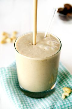 Creamy Cashew Caramel Smoothie (vegan, gluten-free)