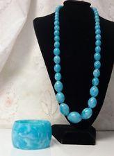 Vintage Hippy BoHo Runway Chunky Marbled Blue Lucite Bangle Bracelet Necklace