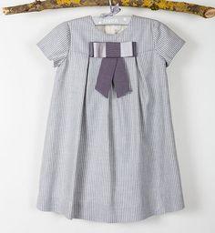 Vestido niña lazada gris. Ref:32368....95.00€