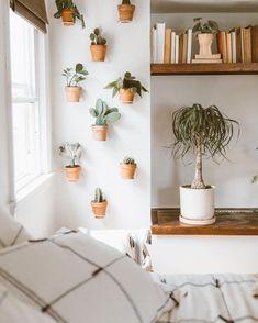 Decoration Inspiration, Room Inspiration, Home Decoration, Zen Home Decor, Earthy Home Decor, Natural Home Decor, Room Ideas Bedroom, Bedroom Decor, Bedroom Rustic