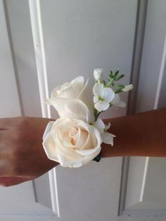 CBP105 Riviera Maya Weddings bodas / corsage de mateola y rosas/ corsage with stock flower and roses