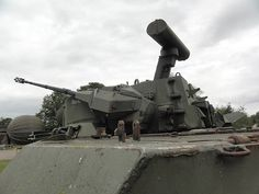 The Flugabwehrkanonenpanzer Gepard is an autonomous, all-weather-capable German self-propelled anti-aircraft gun - English German Army, Cheetah, Military Vehicles, Netherlands, Fighter Jets, Armour, Aircraft, Walking