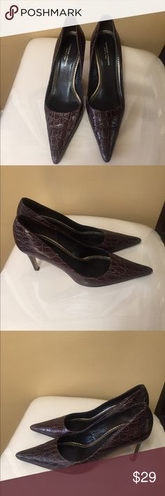 718c7001533c Shop Women s Adrienne Vittadini Brown size 8 Heels at a discounted price at  Poshmark. Description  Adrienne Vittadini Brown Crocodile Embossed Leather  Pumps ...