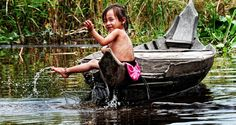 Excursion to floating village Kampong Kleang - Private Tour. On a jeep, this tour give you a chance to see the largest floating village in Cambodia and life of local people here with amazing boattour.