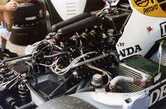 Williams FW09B - Honda RA163-E, 1,494 cc (91.2 cu in), 80° V6, turbo, mid-engine, longitudinally mounted (Netherlands 1984)