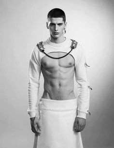 Flowy bottom, interesting cut on the top. Looks futuristic, but I'd need a bit more coverage. givenchy boy riccardo tisci fashion mens skirt e Boy Fashion, Fashion Art, Mens Fashion, Fashion Design, High Fashion Men, Fashion Clothes, Mode Masculine, Man Skirt, Komplette Outfits